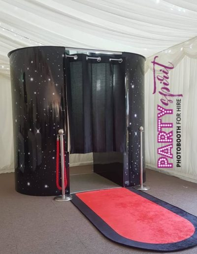 Photo Booth for hire, Oxfordshire (Oxford, Bicester), Buckinghamshire (High Wycombe, Aylesbury), Surrey (Woking, Guildford, Camberley) & Hampshire (Basingstoke, Farnborough)
